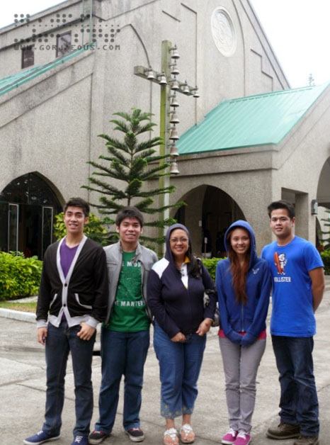 Mom with Kids at Pink Sisters' Convent, Tagaytay City